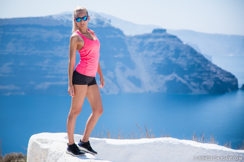 Fitness On Toast Faya Blog Healthy Workout Travel Active Escape H&M Hennes HMSport Fashion Santorini Greece Outfit OOTD