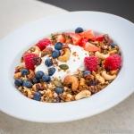 Fitness On Toast Faya Blog Girl Healthy Recipe Granola Quinoa Steens Manuka Honey UMF-2