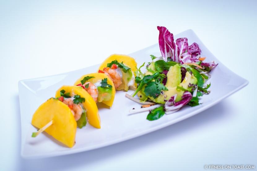 Fitness On Toast Faya healthy blog girl recipe food diet tasty easy quick health protein mango prawn summer salad-5